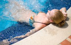 Residence con piscina sul lago di Garda