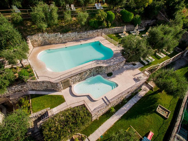Residence con piscina sul lago di garda scegliete borgo - Residence lago di garda con piscina ...